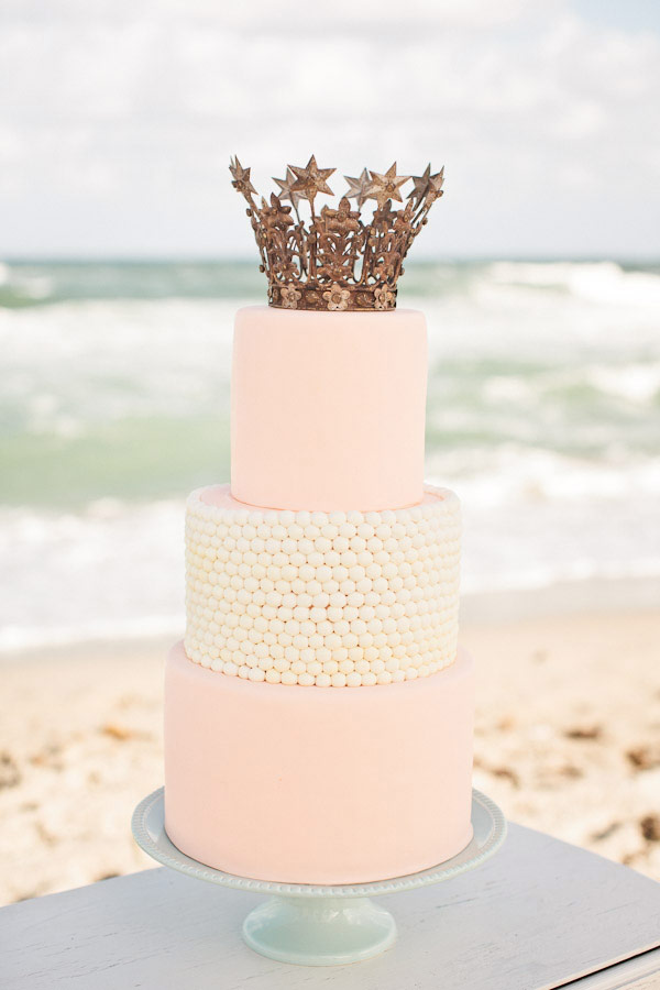 Crowns-on-Cakes-1