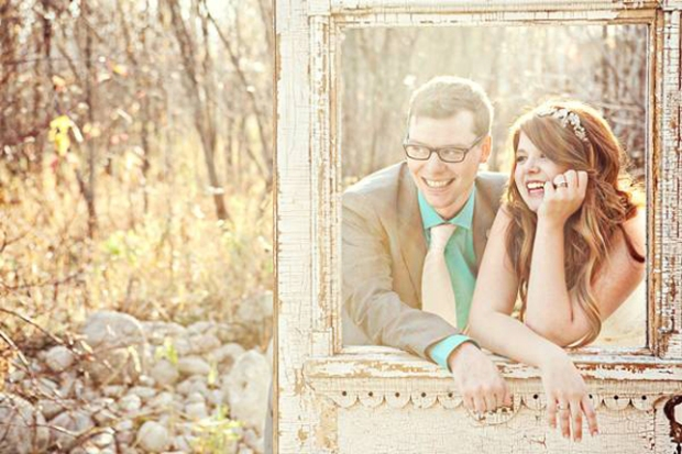 wedding-portrait-props-frames-29